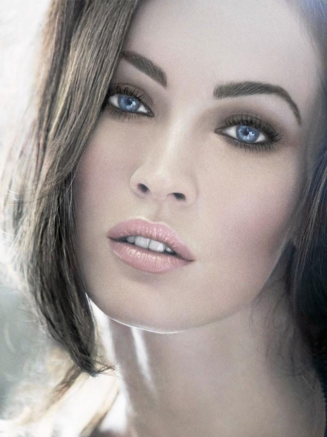 Maquillage été 2011 : que pensez-vous du gloss brillant de Megan Fox ?