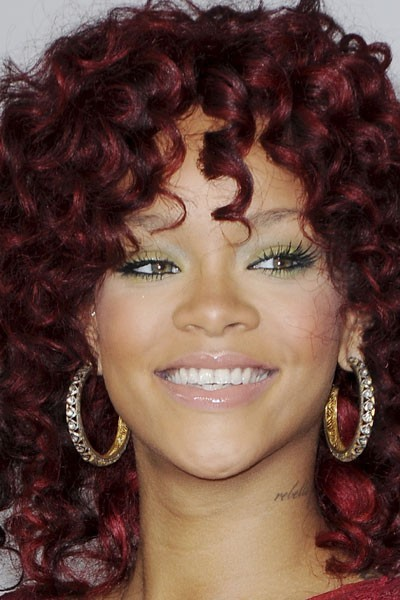 Photo : le maquillage des yeux vert de Rihanna