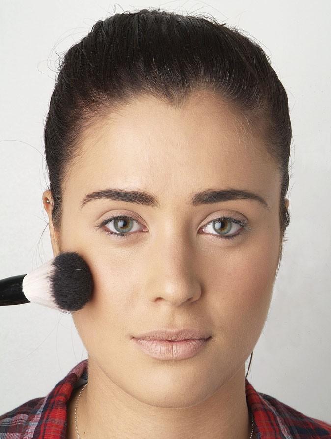 Mode d'emploi de l'eye-liner : le maquillage du teint