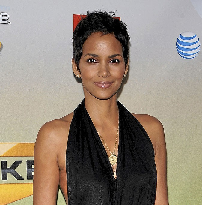 Le secret anti-cellulite de Halle Berry : du marc de café