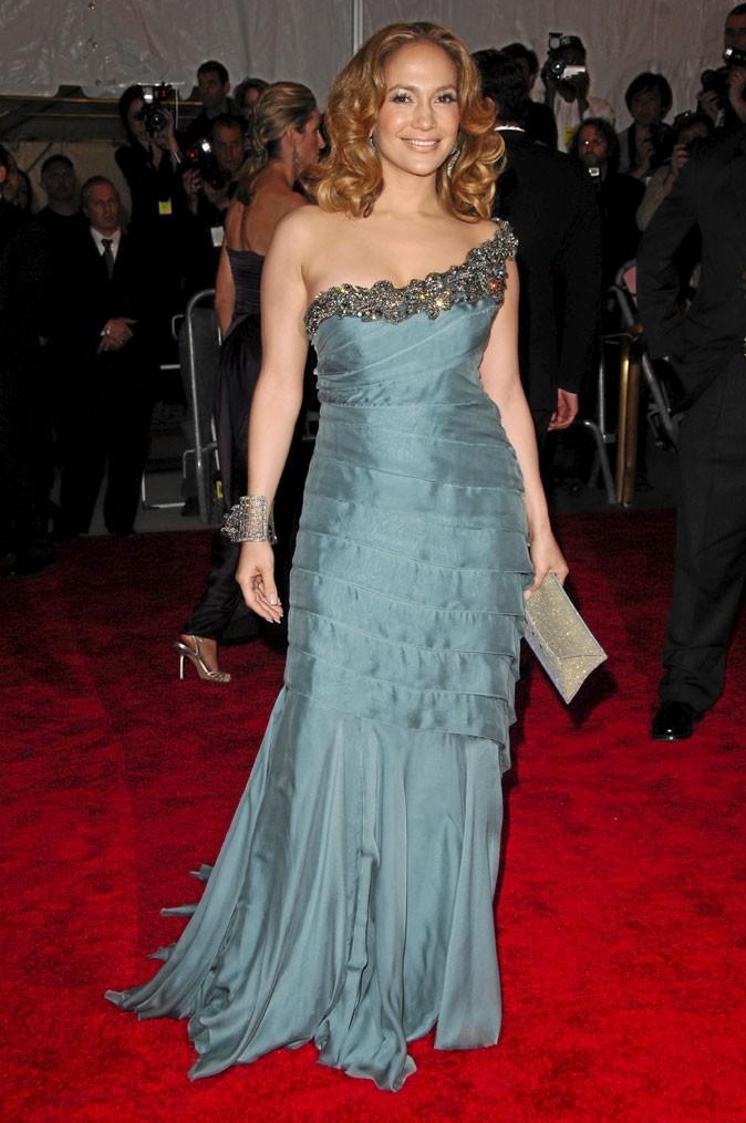 Minceur : Jennifer Lopez toute fine 3 mois après avoir accouché de ses jumeaux !