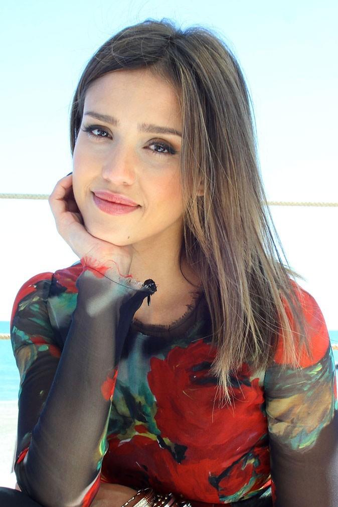 Beauté de star : le maquillage nude de Jessica Alba