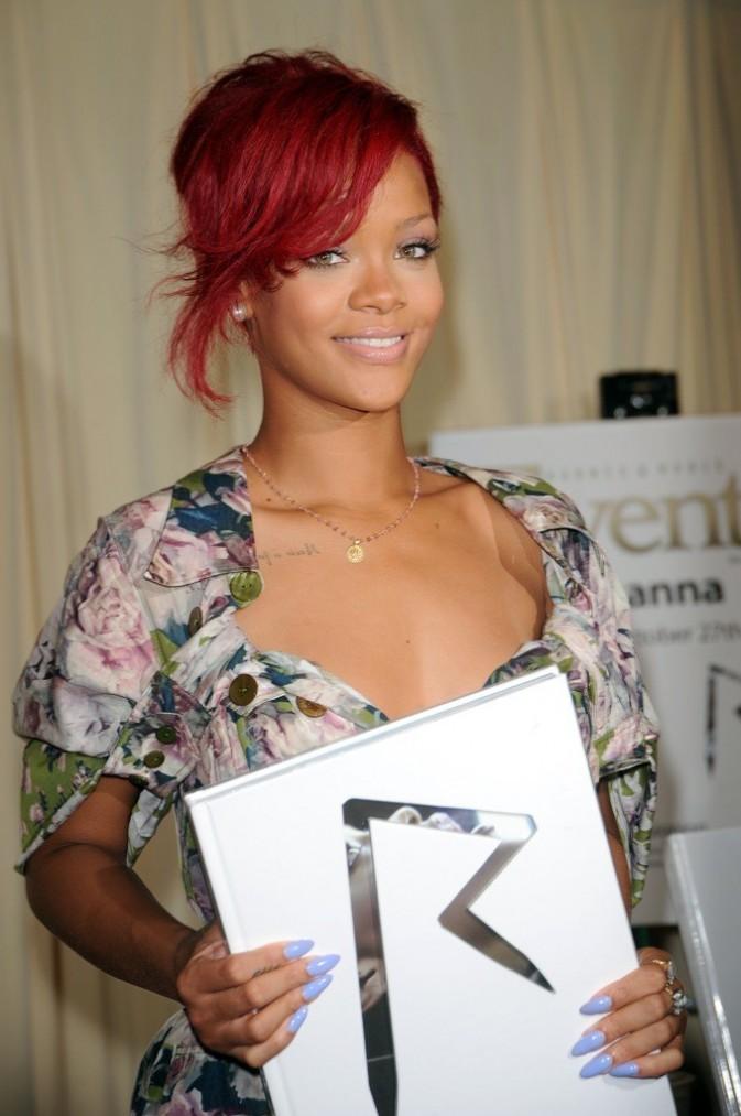 Rihanna: oh la belle bleue !
