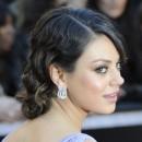 Oscars 2011 : la coiffure chignon de Mila Kunis