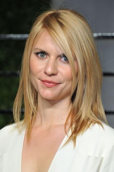 Oscars 2011 : la coiffure raie sur le côté de Claire Danes