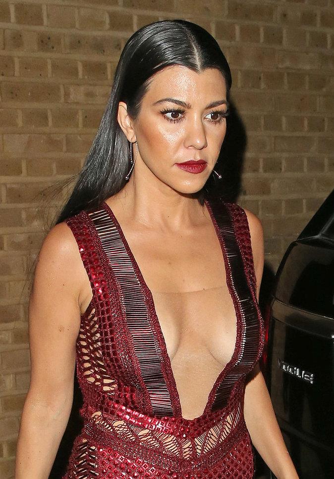 Le wet hair de Kourtney Kardashian