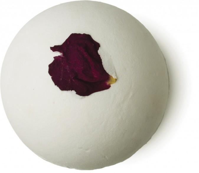 Un corps tout beau tout bio : Bombe de bain, Rose Bombshell, Lush 5,25 €