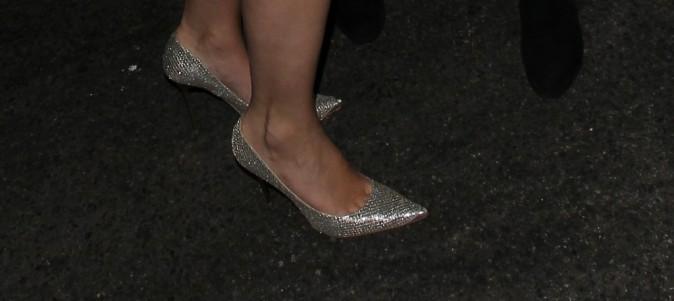 Mais à qui sont ces grands pieds ?