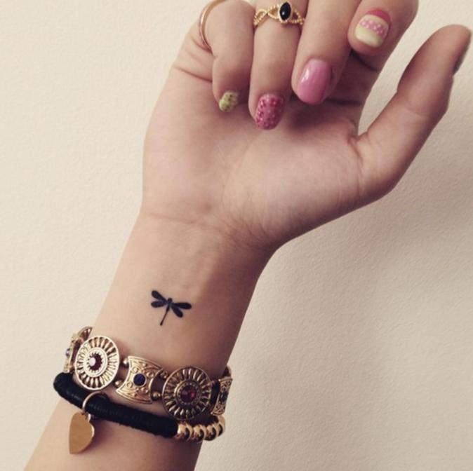 Tatouages pour le poignet : un papillon