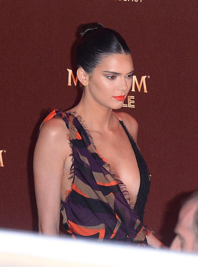 Photos : Kendall Jenner : Retour en images sur son CV Capillaire !