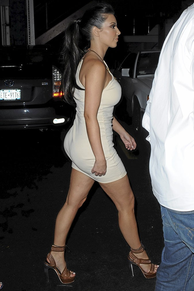 Photo : la cellulite sur les cuisses de Kim Kardashian