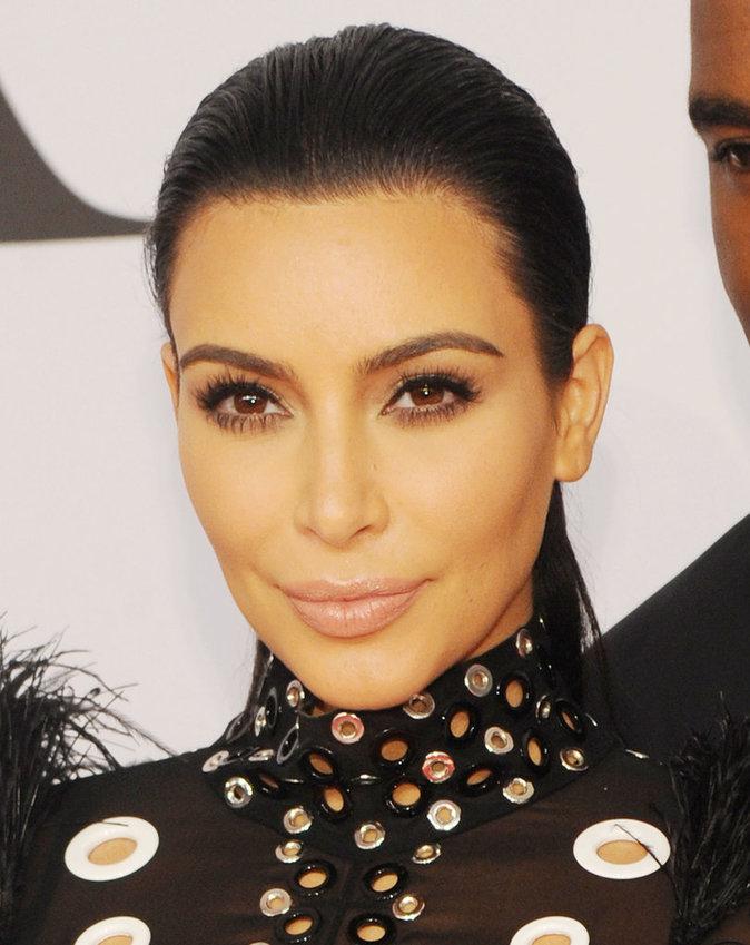 La bouche nude de Kim Kardashian