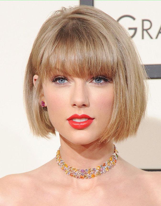 La bouche rouge de Taylor Swift