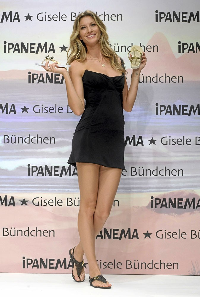 Spécial pieds : Gisele Bündchen prend-elle soin de ses pieds ?