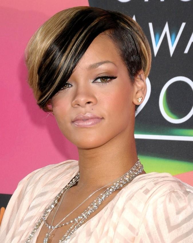 Rihanna est une fan de mèches !