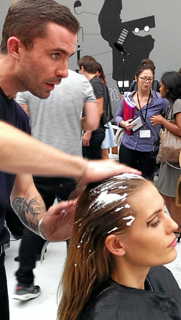 Découvrez le tuto coiffure d'Anthony Turner pour un lisse sporty ultra tendance !