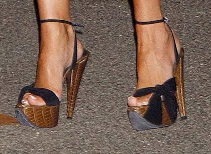 Des sandales en bois !