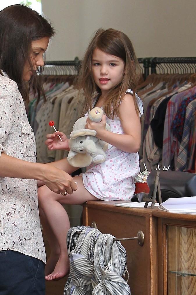 Suri Cruise fait du shopping avec sa maman !