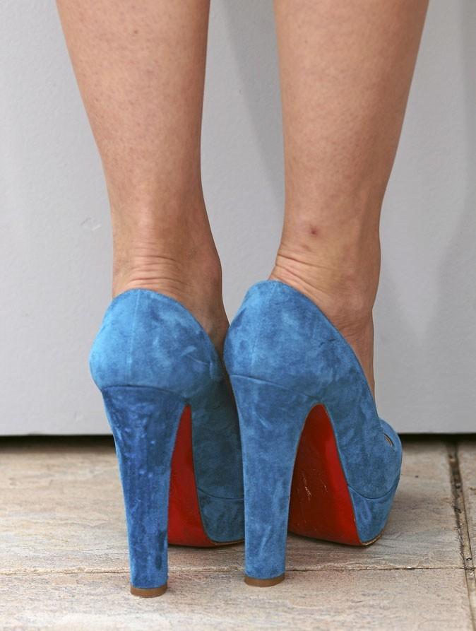 Des chaussures à talons bleues