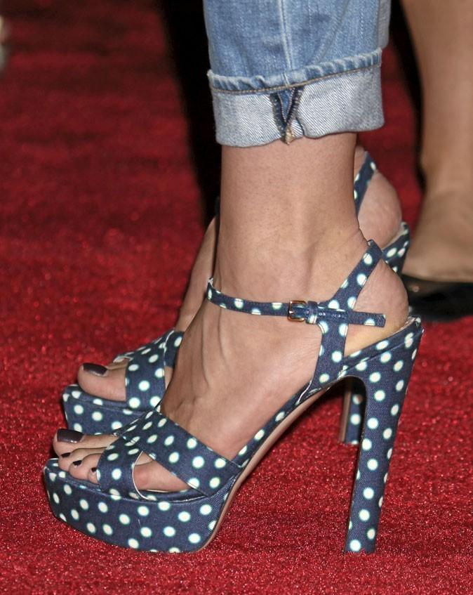 Des sandales à talons à pois