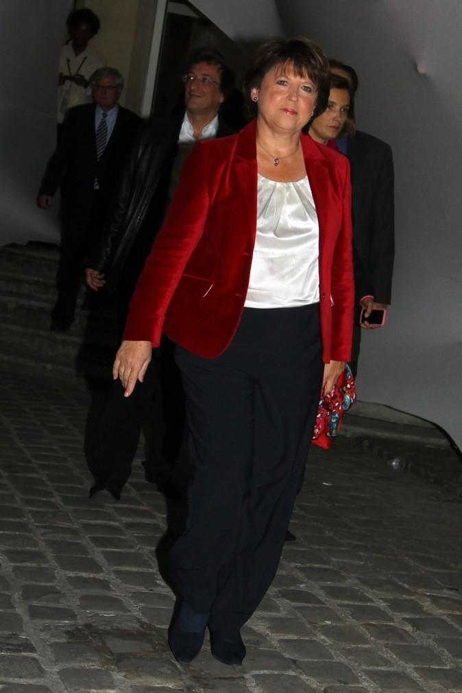 Martine Aubry mixe velours et pantalon chic