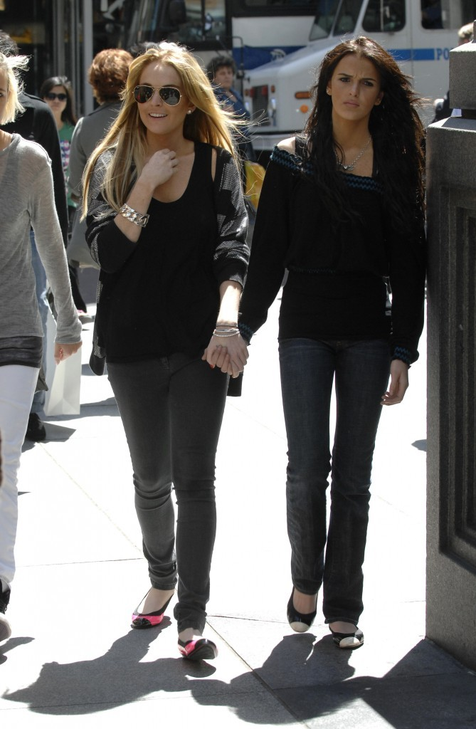 Tenue smart pour shopping entre soeurs!