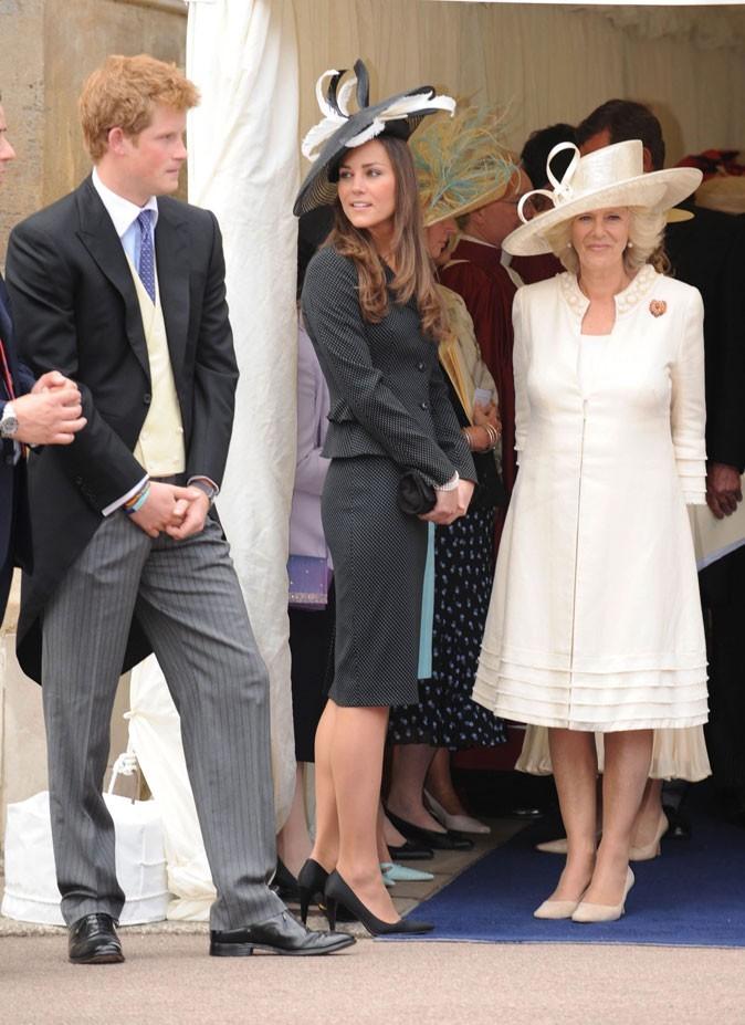 Look de star : le chapeau noir et blanc de Kate Middleton en juin 2008