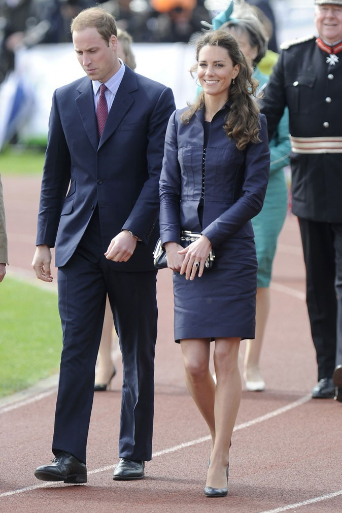 Look de star : le look chic de Kate Middleton assorti au Prince William en avril 2011