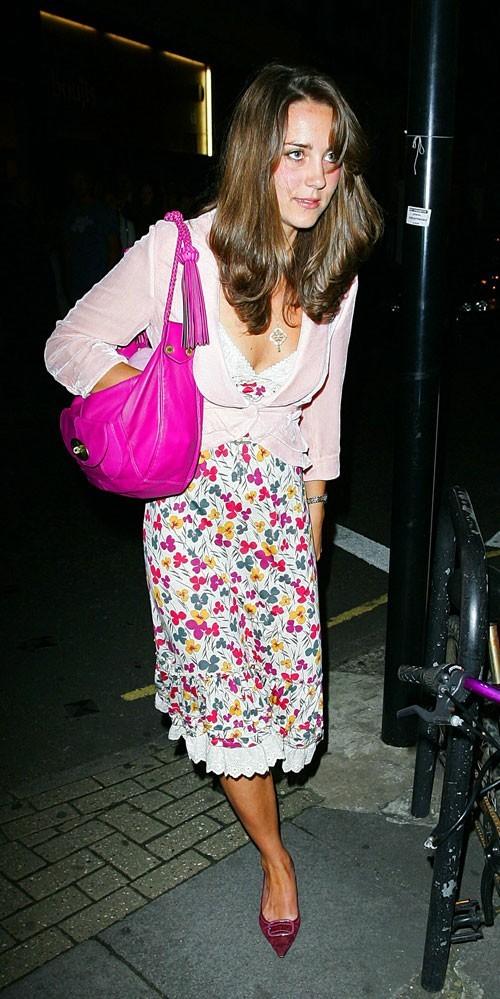 Look de star : le look fashion faux pas de Kate Middleton en juin 2006