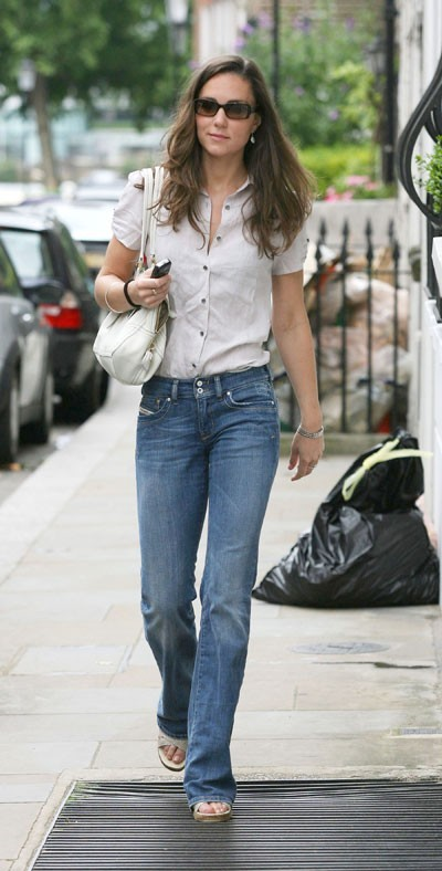 Look de star : le look jean chic de Kate Middleton en juillet 2007