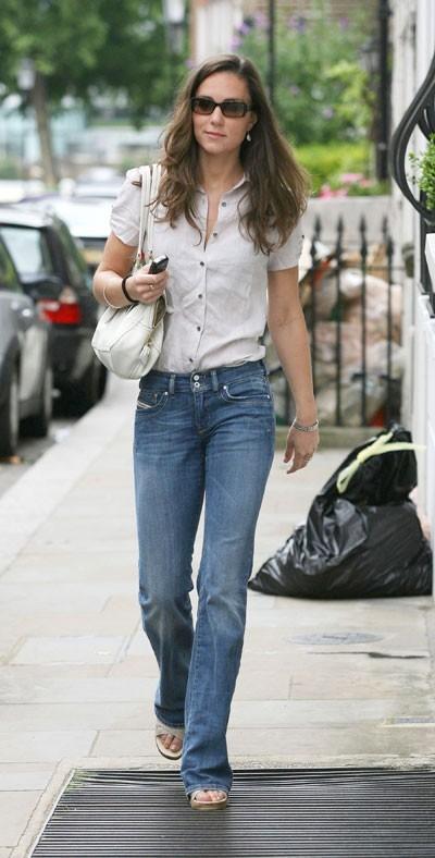 Look de star : le look jean chic de Kate Middleton en juillet 2007