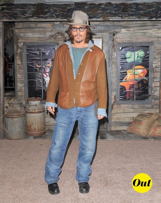 Look de Johnny Depp : un jean et une veste camel en 2011