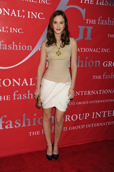 Photo : le look nude de Leighton Meester en octobre 2010