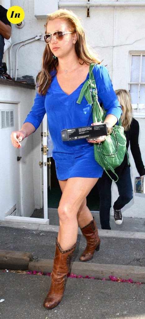 Photo : la robe bleu klein de Britney Spears