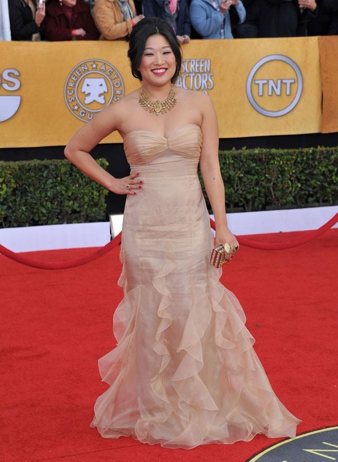 Les stars de Glee en mode glamour : la robe longue nude de Jenna Ushkowitz