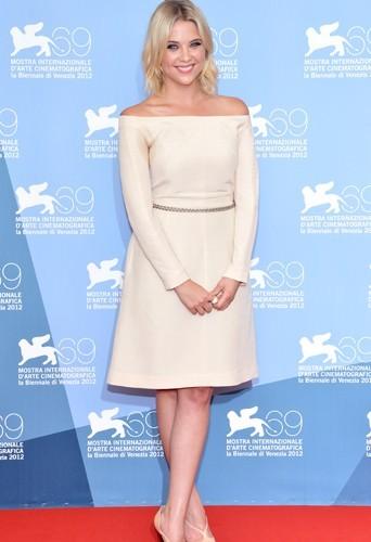 Look : Découvrez le CV Fashion d'Ashley Benson !