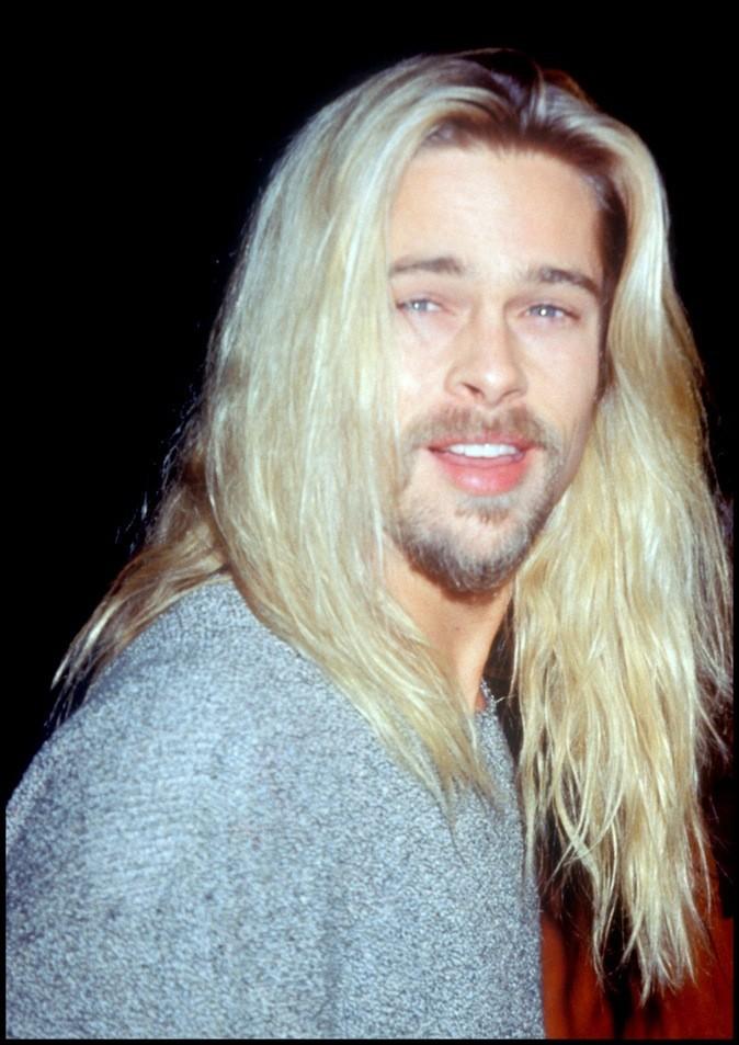 Cheveux longs et blonds, Jenifer Aniston sors de ce corps!