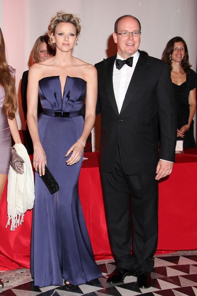 Charlene Wittstock :  une robe longue bleue bustier en mai 2009