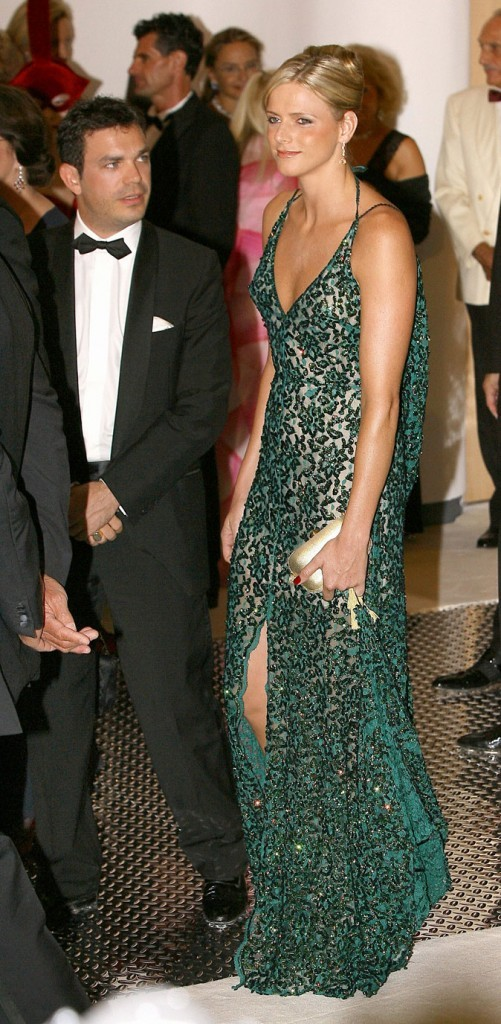 Charlene Wittstock :  une robe longue verte en dentelle en août 2006