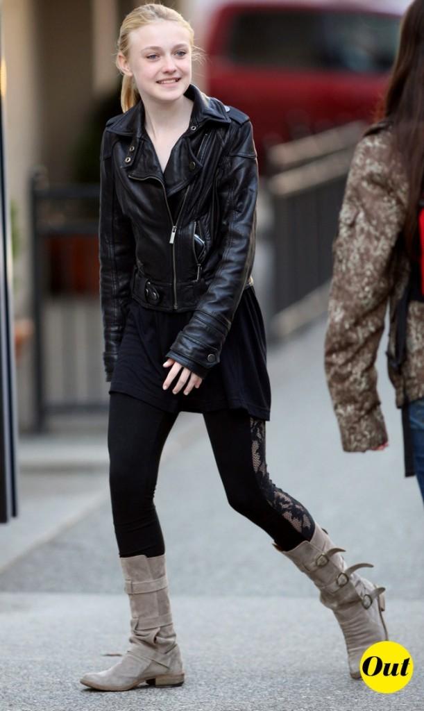 En mai 2009, elle ose la veste en cuir !