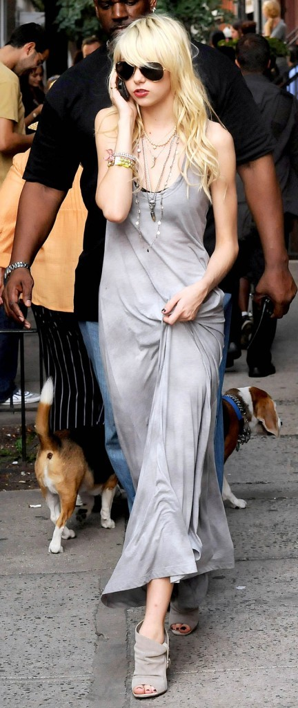 La robe t-shirt longue de Taylor Momsen !
