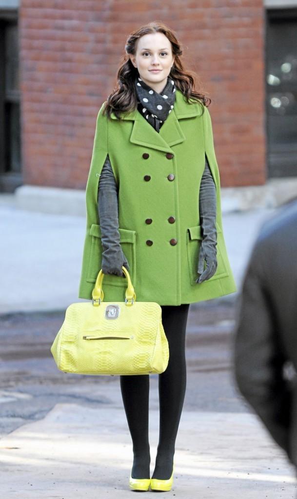Le manteau vert et les accessoires jaunes de Blair Waldorf !