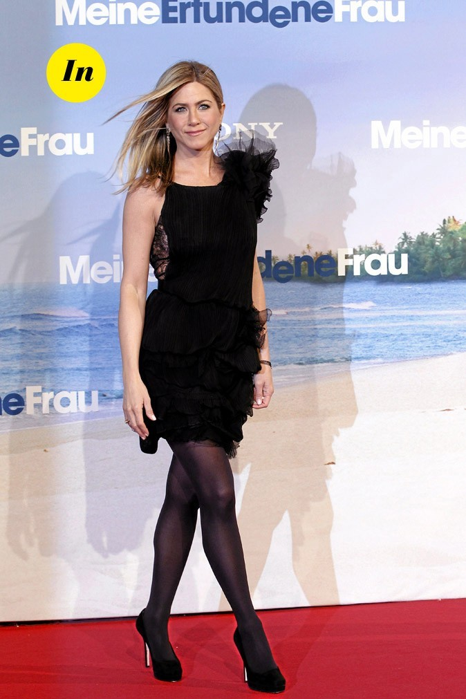 La robe noire en dentelle et tulle Nina Ricci de Jennifer Aniston en Février 2011 !