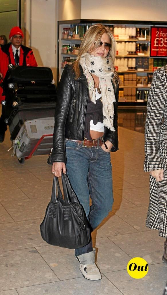 Le look de skateuse de Jennifer Aniston en Mars 2010 !