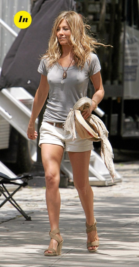 Le short-T-shirt causal de Jennifer Aniston en Juillet 2009 !