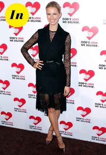 En ravissante petite robe Micheal Kors au God's love we deliver Golden Heart 2012