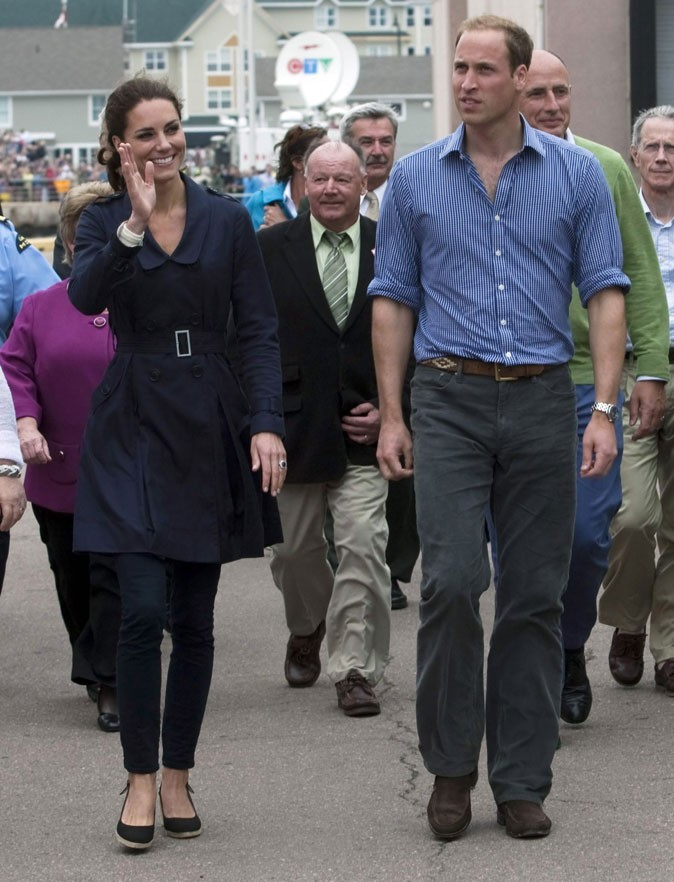Kate Middleton le 4 juillet 2011 au Canada : jean J Brand et compensées