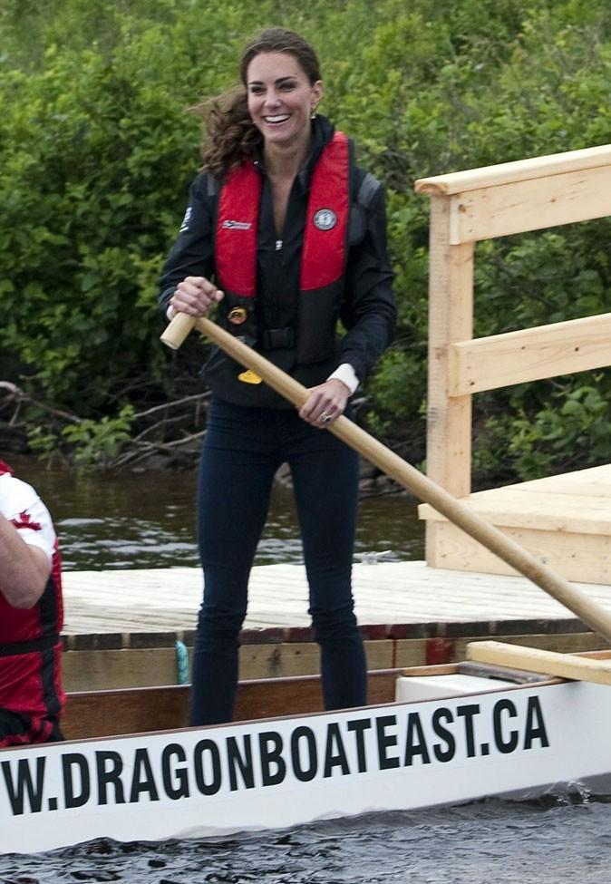 Kate Middleton le 4 juillet 2011 au Canada : rien de tel qu'un jean J Brand pour des activités sportives !
