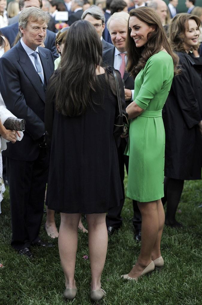 Kate Middleton le 8 juillet 2011 à Los Angeles : une robe verte Diane Von Furstenberg