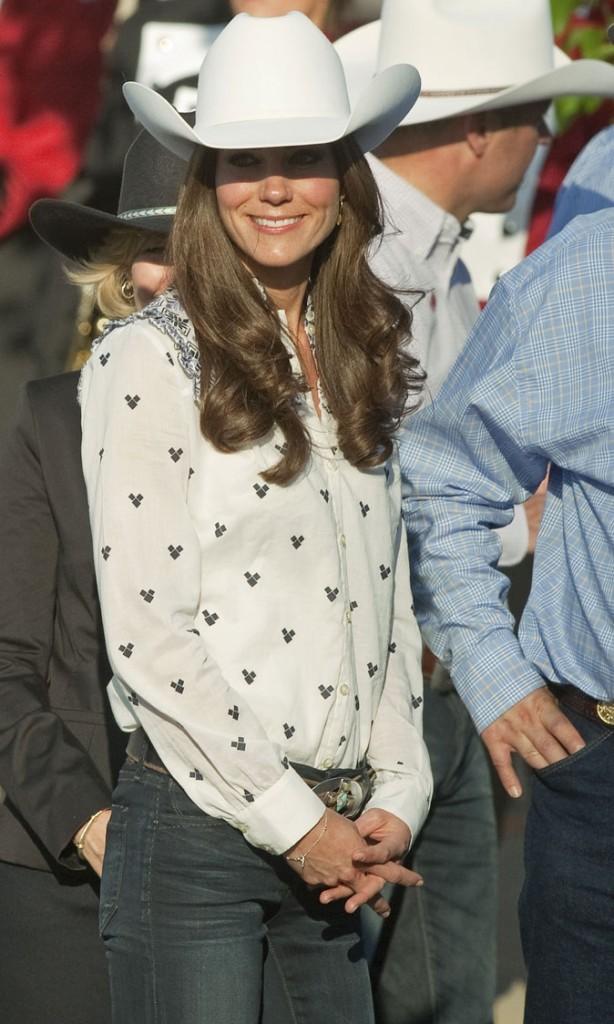 Kate Middleton le 8 juillet 2011 au Canada : un chapeau de cow-boy signé Alice Temperley